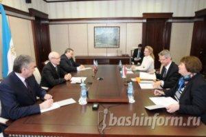 Рустэм Хамитов встретился с Чрезвычайным и Полномочным Послом Королевства Нидерландов в России Рональдом Келлером