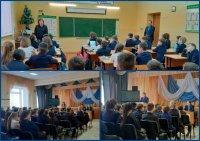 Учащиеся Караидельской СОШ№2 встретились с заместителем прокурора района Д.Муховиковым