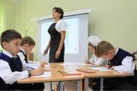 В школах Башкирии начнут обучать вождению и английскому разговорному языку