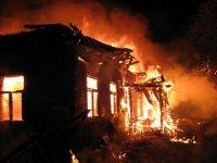 В Башкирии в сгоревшем доме найдены тела мужчины и женщины с малолетним ребенком